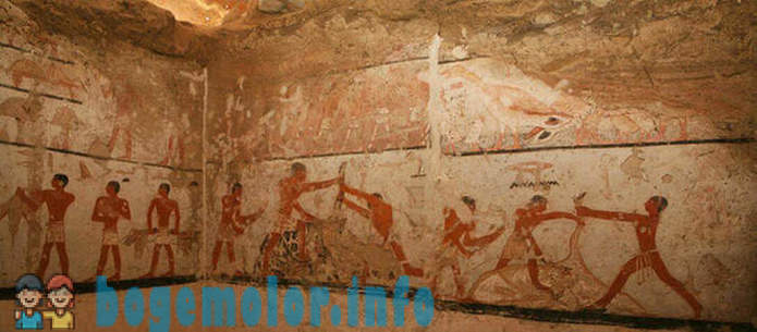 Archaeologists found the cave with drawings, which is already 4400 years old