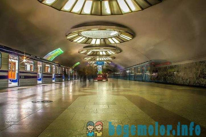 Walk on the Tashkent subway
