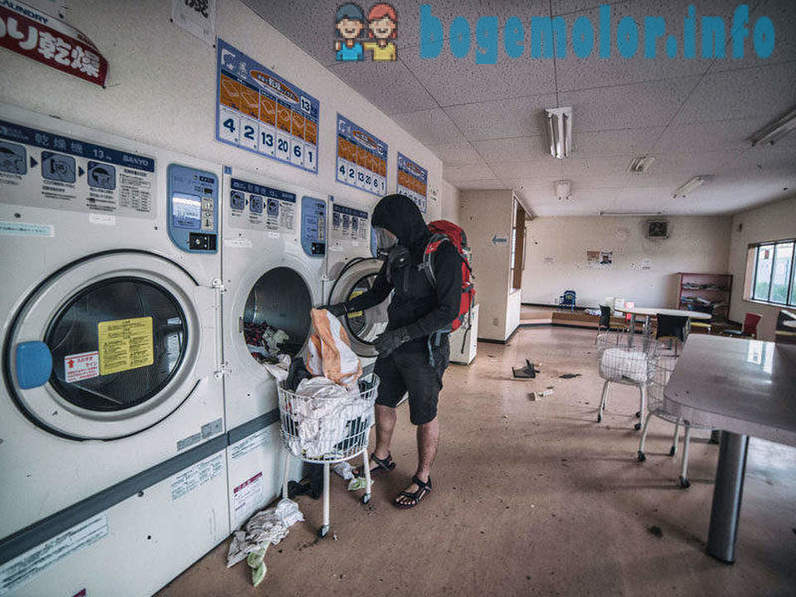 Photographer snuck into the radioactive ghost town in Fukushima