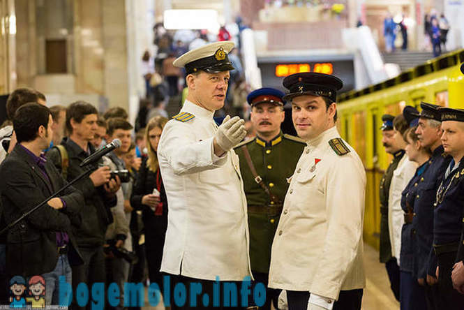 Moscow subway 80 years! vintage cars exhibition