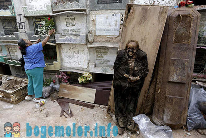 Cleaners graves from Guatemala